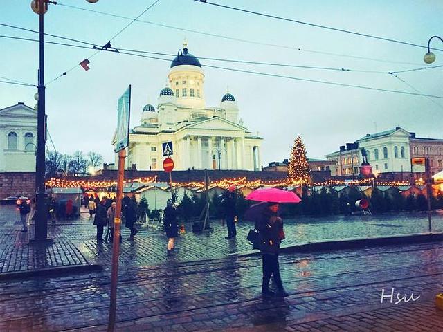 """""""欧美很多议会国会厅都长得差不多样子-,,-。还没到哥本哈根,先在赫尔辛基感受了一下童话氛围_Senaatintori""""的评论图片"""