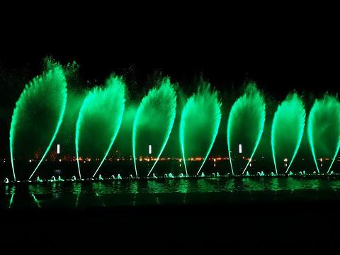 东港音乐喷泉广场旅游景点图片