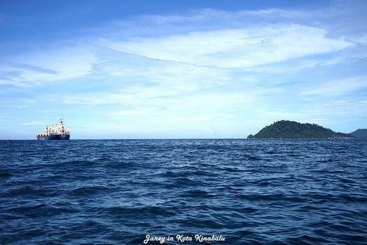 """""""由于这里是海岛,来回坐快艇才可以达到KK。晚上最晚一班回海岛的船,是22:30分_哲斯顿港码头""""的评论图片"""