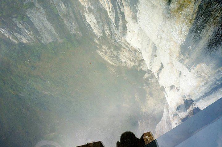 """""""三桥之外依然是别有洞天,风景非常秀丽。不远,又见变形金刚,据说每年都有很多人来朝圣哦_武隆天生三桥""""的评论图片"""