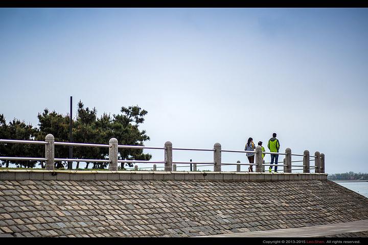 """""""...和餐饮点供游客休息游玩,非常的方便,如果来黄岛不喜欢凑热闹,时间又不多的话,这里是你不二的选择_唐岛湾滨海公园""""的评论图片"""