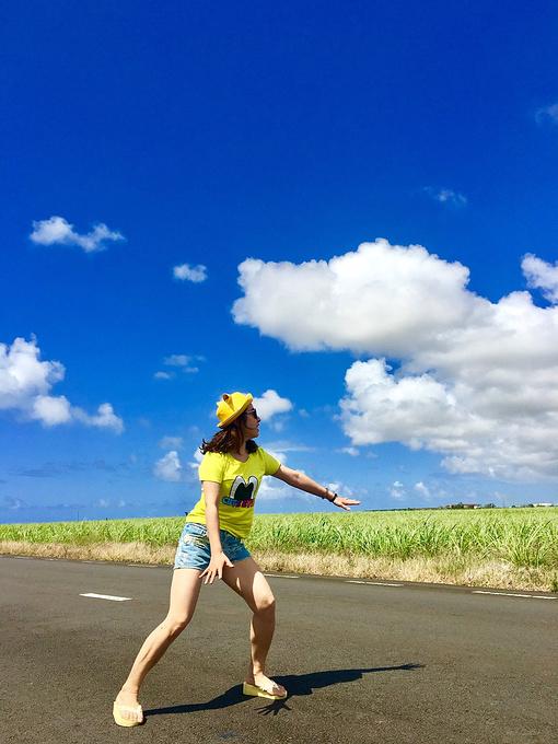 去往蓝湾的路上图片