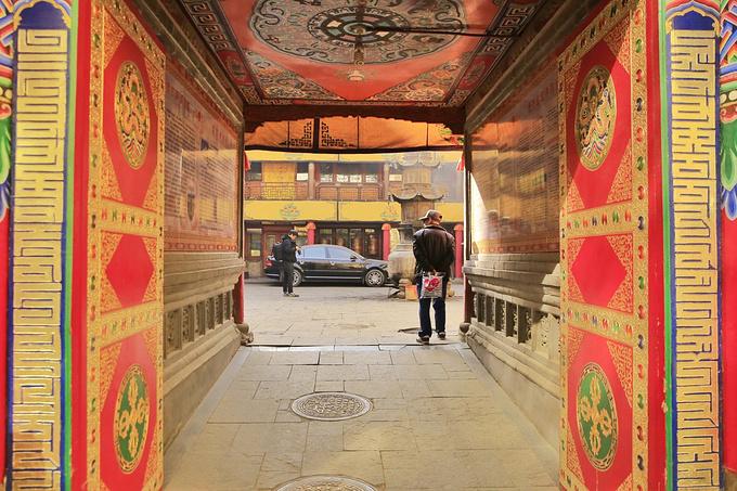 塔尔寺小金瓦寺图片