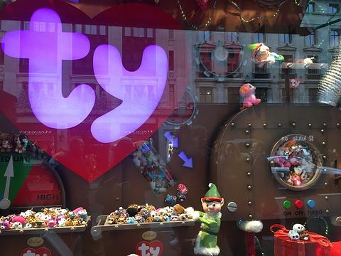 哈姆雷斯玩具店旅游景点图片