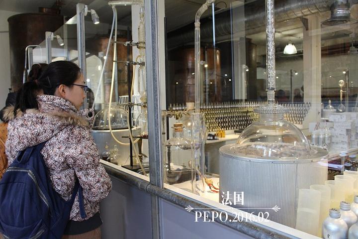 """""""Fragonard销售工厂。宝宝买了一款蜂蜜晚霜,很不错,推荐呵_Fragonard香水工厂""""的评论图片"""