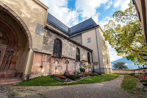 侬山修道院