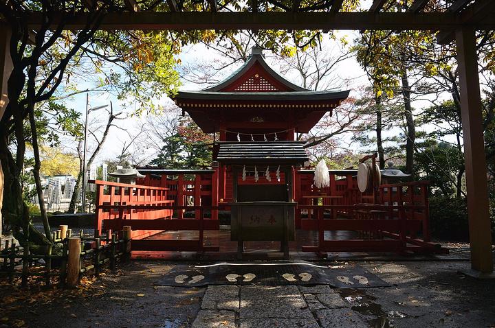 """"""" 门票不贵,但是里面的宝物馆要500日元,而且东西超级少。_鹤冈八幡宫""""的评论图片"""