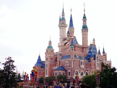 上海迪士尼旅游景点图片