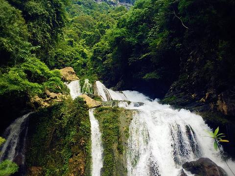 拉滩瀑布旅游景点图片