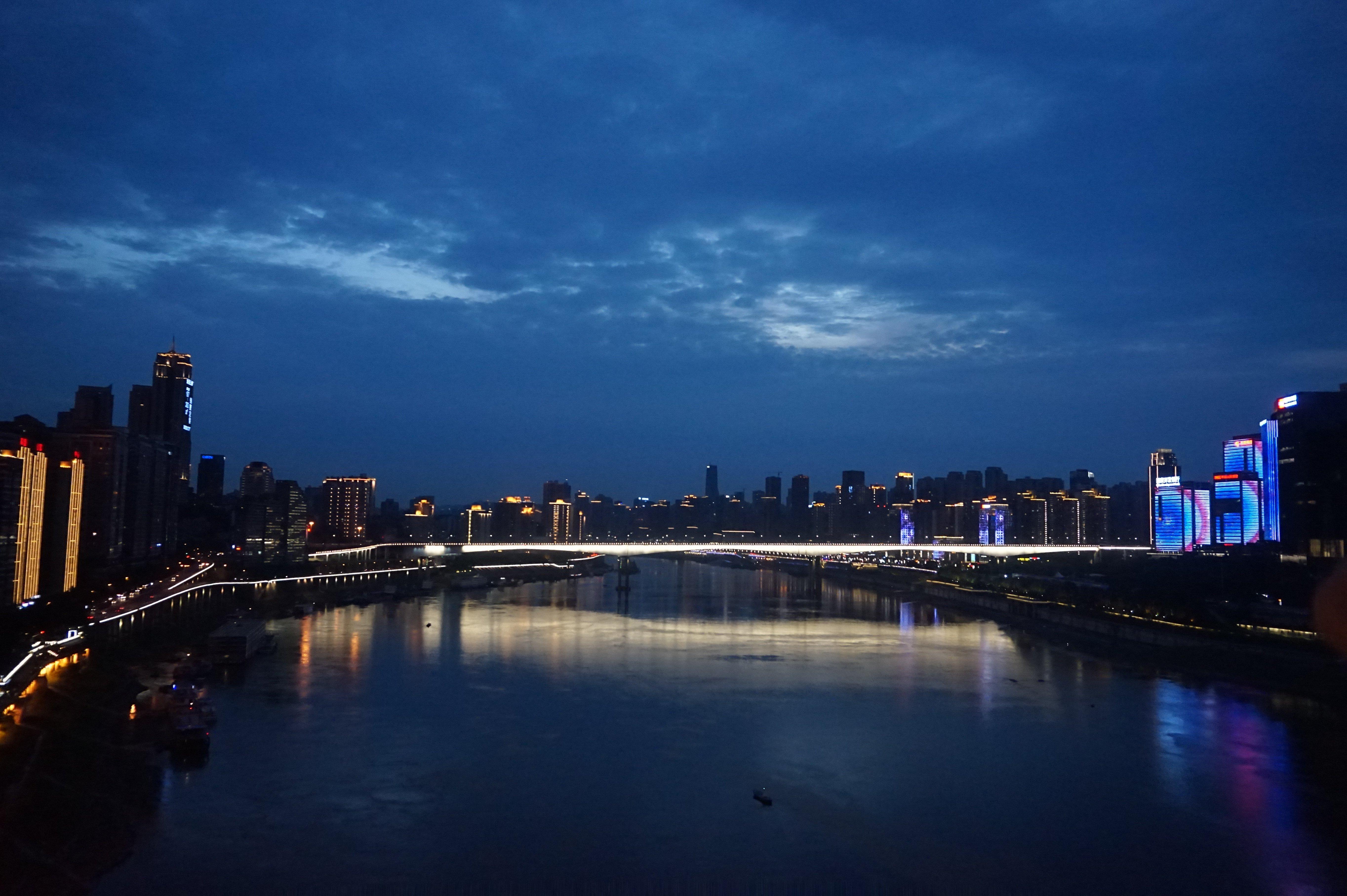一個一言不合就爬坡的城市-重慶&成都-吃香喝辣