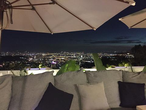 屋顶上旅游景点图片