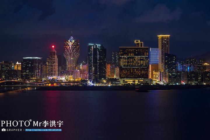 """""""在澳门街头暴走了好几个小时,着实累得够呛,于是回到新濠锋酒店办理入住,还是坐免费的短驳车_澳门新濠锋酒店(Altira Macau)""""的评论图片"""