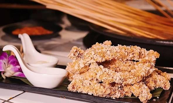 到重庆必吃的一家串串香,这家串串店的牛肉到底有好霸道?