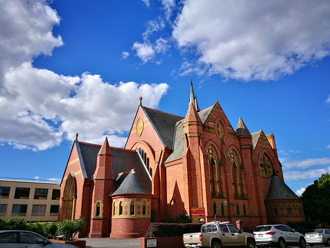 朗塞斯顿市政厅旅游景点图片
