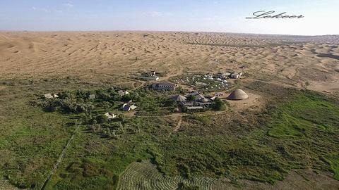 腾格里沙漠月亮湖旅游景点攻略图
