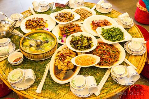 山菜王国(彝人古镇店)