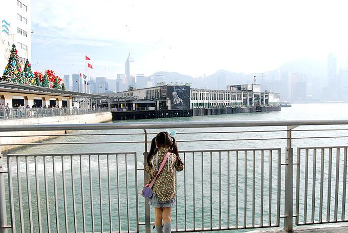维多利亚港游船图片
