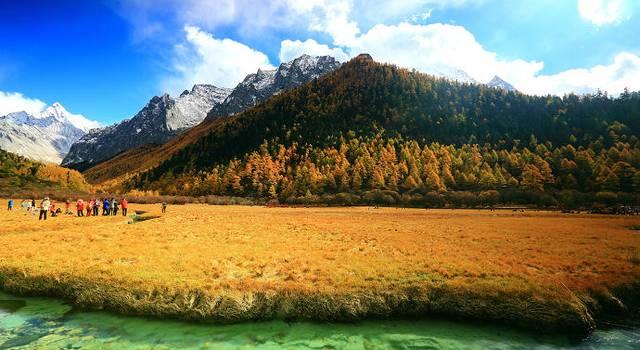初冬探秘净土亚丁三神山最美时刻