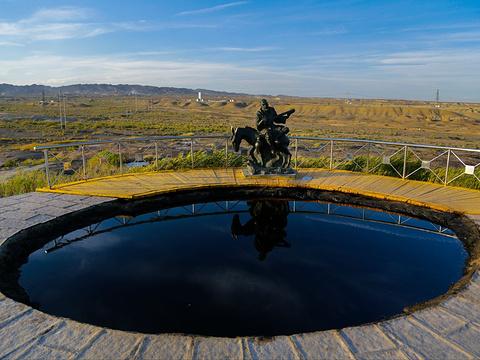 克拉玛依黑油山旅游景点图片