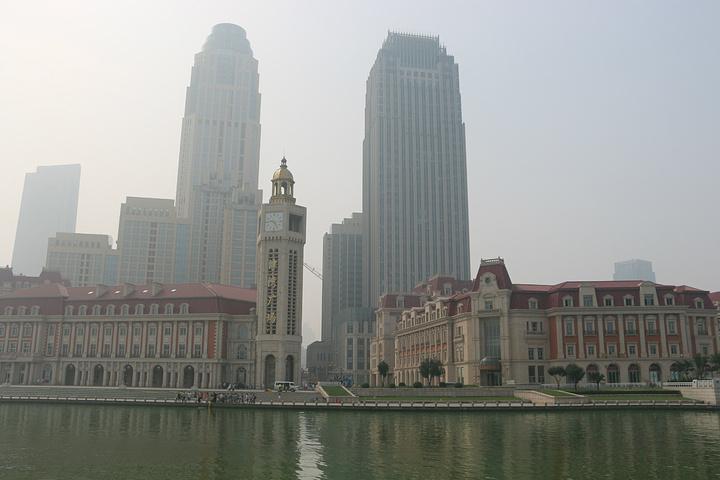 """""""【海河】天津最美丽的景色汇聚于此。4、温馨提示:①傍晚,沿着海河漫步、欣赏美丽的夜景是一件惬意的事儿_海河""""的评论图片"""