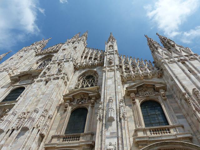 """""""是真的令人非常的震撼。【关于交通】乘坐地铁,在Duomo站下,一出来就会被整个建筑震撼到。千万不要信_米兰大教堂""""的评论图片"""