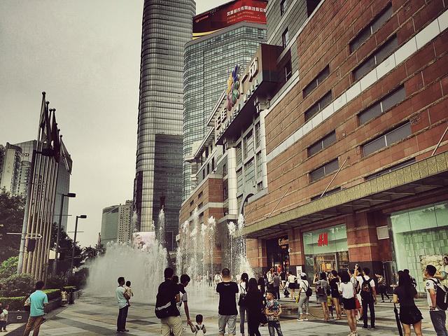 """""""整个正佳广场的趣味性、参与性非常强,购物空间无论在规划设计或业态上都非常出色,能提供舒适的购物..._正佳广场""""的评论图片"""
