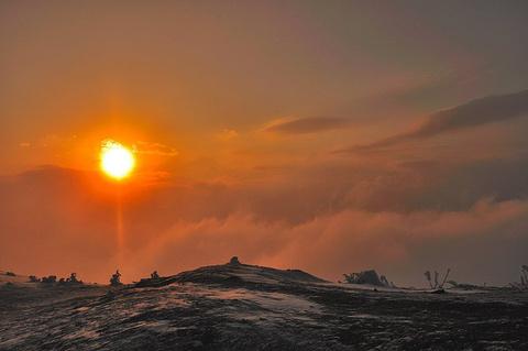 贡嘎山的图片