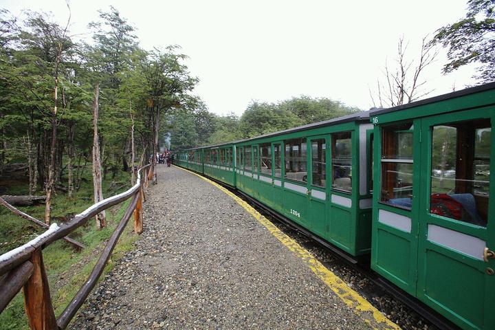 """""""乘坐小火车游览也成为极具特色的旅游项目_火地岛国家公园""""的评论图片"""
