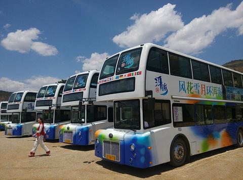 环洱海双层观光车