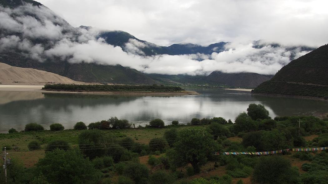 邂逅在六月的丛林与雪山——西藏之行