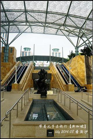 """""""下午3点才能入住,先放下行李寄存后拿了订房送的门票。一到圣淘沙岛,明显就感觉游人多了起来_新加坡圣淘沙名胜世界迈克尔酒店(Resorts World Sentosa - Hotel Michael)""""的评论图片"""