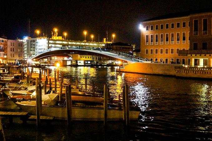 夜游威尼斯图片