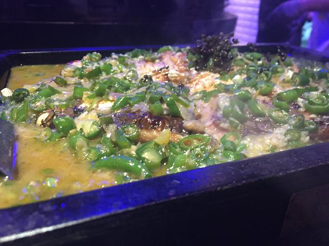 """""""...情了,好久没有吃杭州菜了,想着去吃个外婆家,无奈人超级多,看看旁边的鲈鱼人虽说少一些但是也很多_青岛万象城""""的评论图片"""