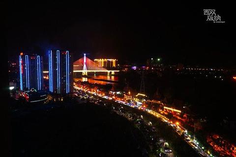 江边夜市旅游景点攻略图