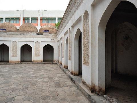 哈斯哈吉甫陵墓旅游景点图片