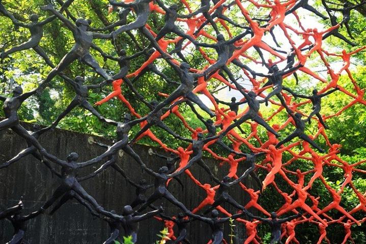 """""""雕刻庭园在自然景物丰富的7万㎡占地上展示..._雕刻之森美术馆""""的评论图片"""