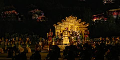 鼎盛王朝康熙大典实景演出的图片