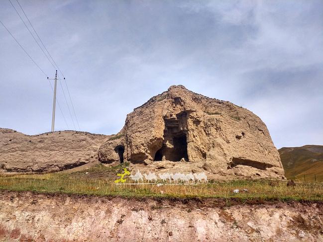 俄搏古城遗址图片