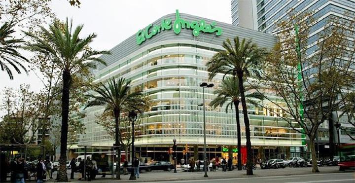 """""""...百货公司,而上世纪60年代在巴塞罗那开设的百货商场也是如今巴塞罗那规模最大、商品最多的百货商场_Corte Inglés""""的评论图片"""
