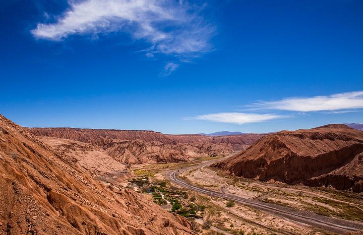 """""""间歇泉日出,天还没亮就来了这儿,没曾想这里居然如此寒冷,手机拿出来不到半分钟就没电了_阿塔卡马沙漠""""的评论图片"""