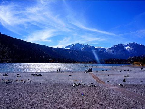 六月湖旅游景点图片
