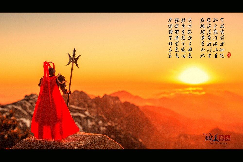 云海波澜峰作岛 冬雪醉人恋黄山