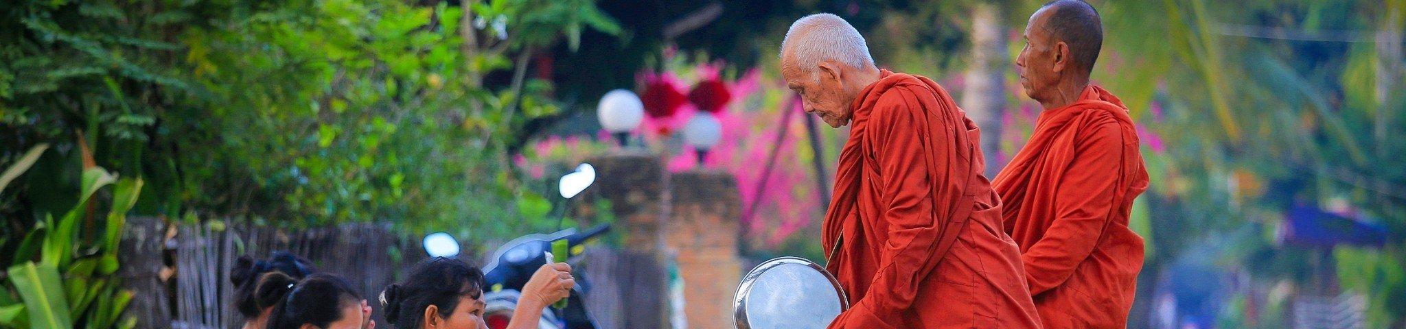 湄公河畔,神圣的老挝之行