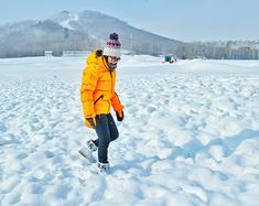在长白山过圣诞节、玩雪、泡温泉才是正经事
