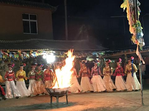 摩梭族篝火晚会旅游景点攻略图