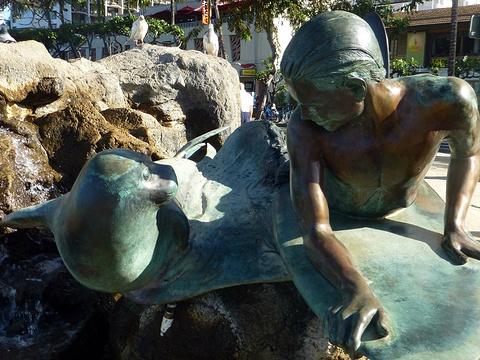 瓦胡岛-杜克卡哈那莫库雕像旅游景点图片