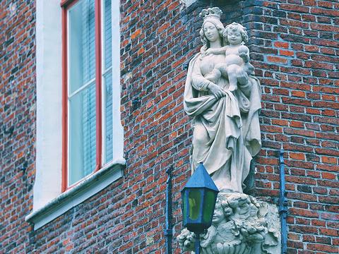 布鲁日圣母教堂旅游景点图片