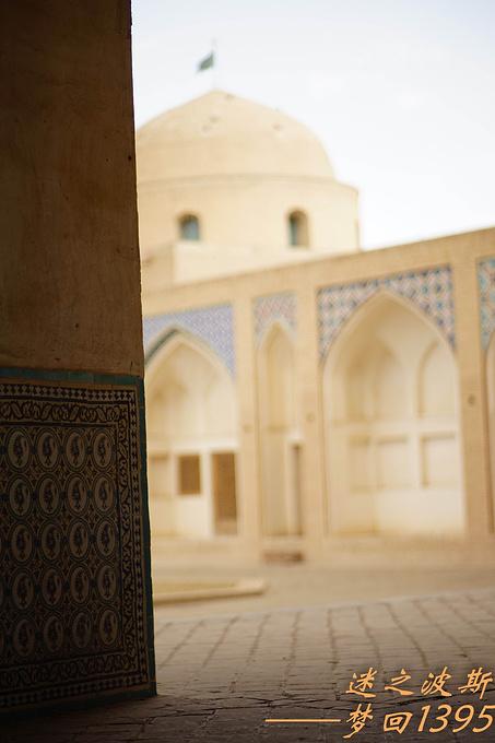 游览奥高‧勃佐尔格清真寺图片
