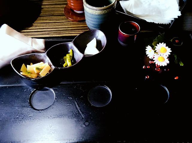 """""""少帅禅园的餐厅走精致路线叫""""汉卿美馔"""",提供的是无菜单料理(食材依据季节选)_少帅禅园""""的评论图片"""