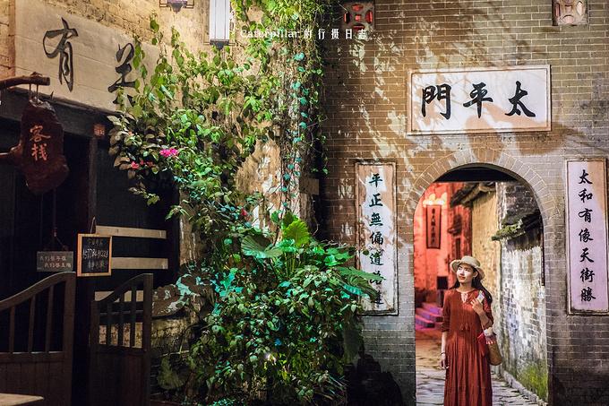 古镇小巷图片